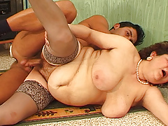 bbw mom wild drilled by her toyboy