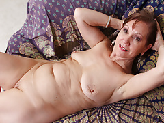 USA gilf Penny gropes her pantyhosed twat