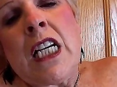 Blonde granny ill feeling her pussy in kitchen