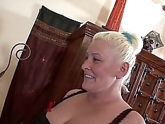 Chubby blonde mom fucks and gets wet facial