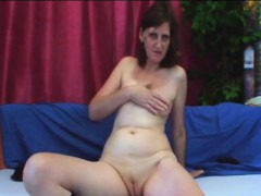 Granny Jindra Fucked On Settee Wide of Beamy Young Cock