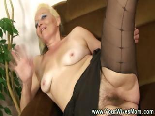 Granny cuts a hole down their way pantyhose
