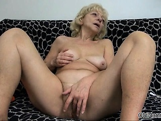 Thersitical blonde floozy gets horny rubbing part5
