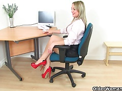 mummy Sofia masturbates at the office