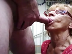 granny gives a rapid blowjob with cim