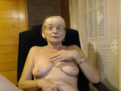 Killer insane mature masturbating on webcam