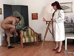 Kinky mature woman gets naked and rides his cock